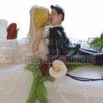 Brautpaar Handgefertigt Am Bauch Liegend Kuessend WEB