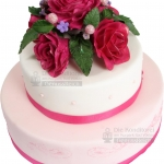 Hochzeitstorte Rosa Mit Roten Blumen 2stoeckig IMG 6877 WEB